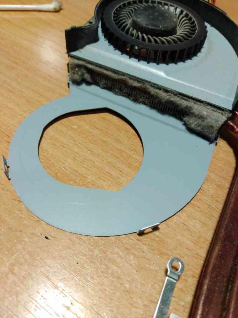 чистка ноутбука asus от пыли с заменой термопасты (2)