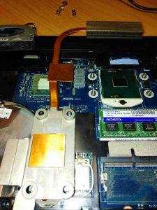 чистка ноутбука с заменой термопасты ноябрь18 (6)
